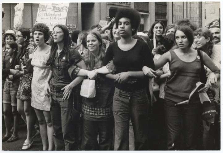 """She's Beautiful When She's Angry"": Os Movimentos de Libertação Feminina nas Décadas de 60 e 70"