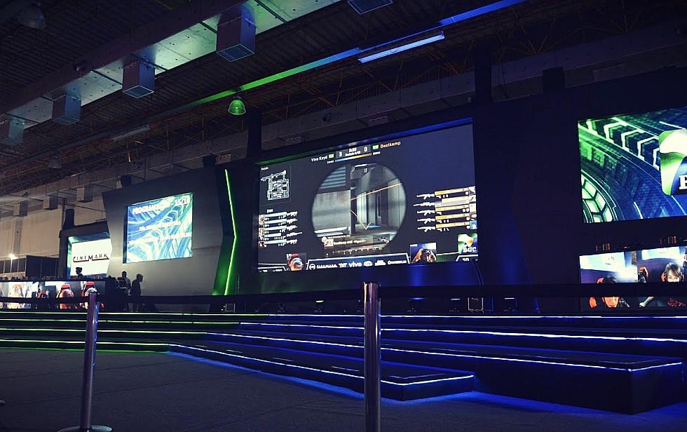 615fbb68fea6 Em 2014, um evento de games na Finlândia se tornou notícia quando a  Federação Internacional de Esportes Eletrônicos (IeSF) separou os  campeonatos do evento ...