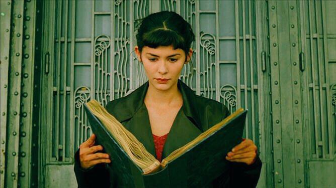 Amelie Poulain lendo